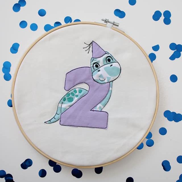 Stickdatei Dino 2. Geburtstag Doodle Set