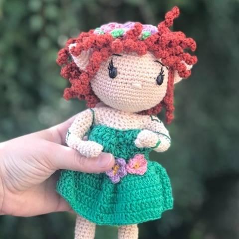 Malÿcia, la première elfette au crochet