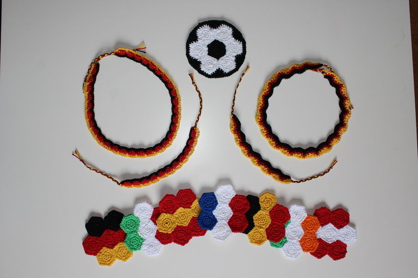 """Häkelanleitung Fan-Set """"All in one"""" Fußball EM/WM bei Makerist - Bild 1"""