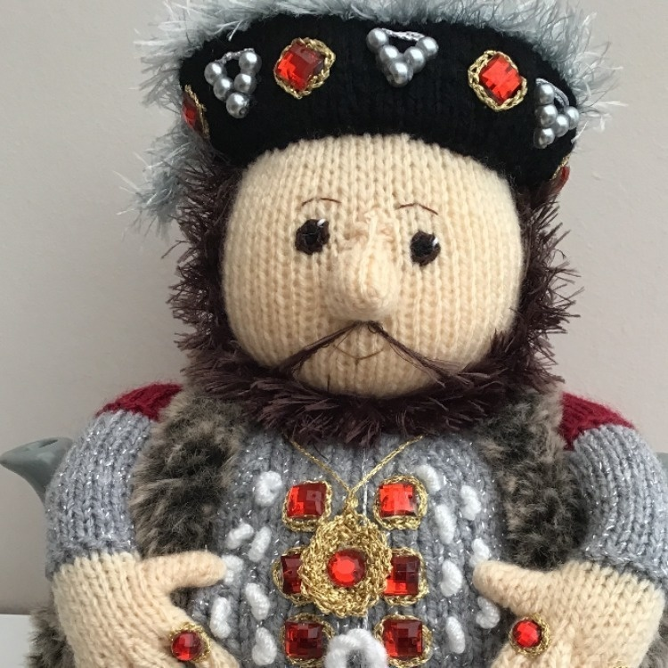 Henry VIII tea cosy to fit a 6 cup teapot