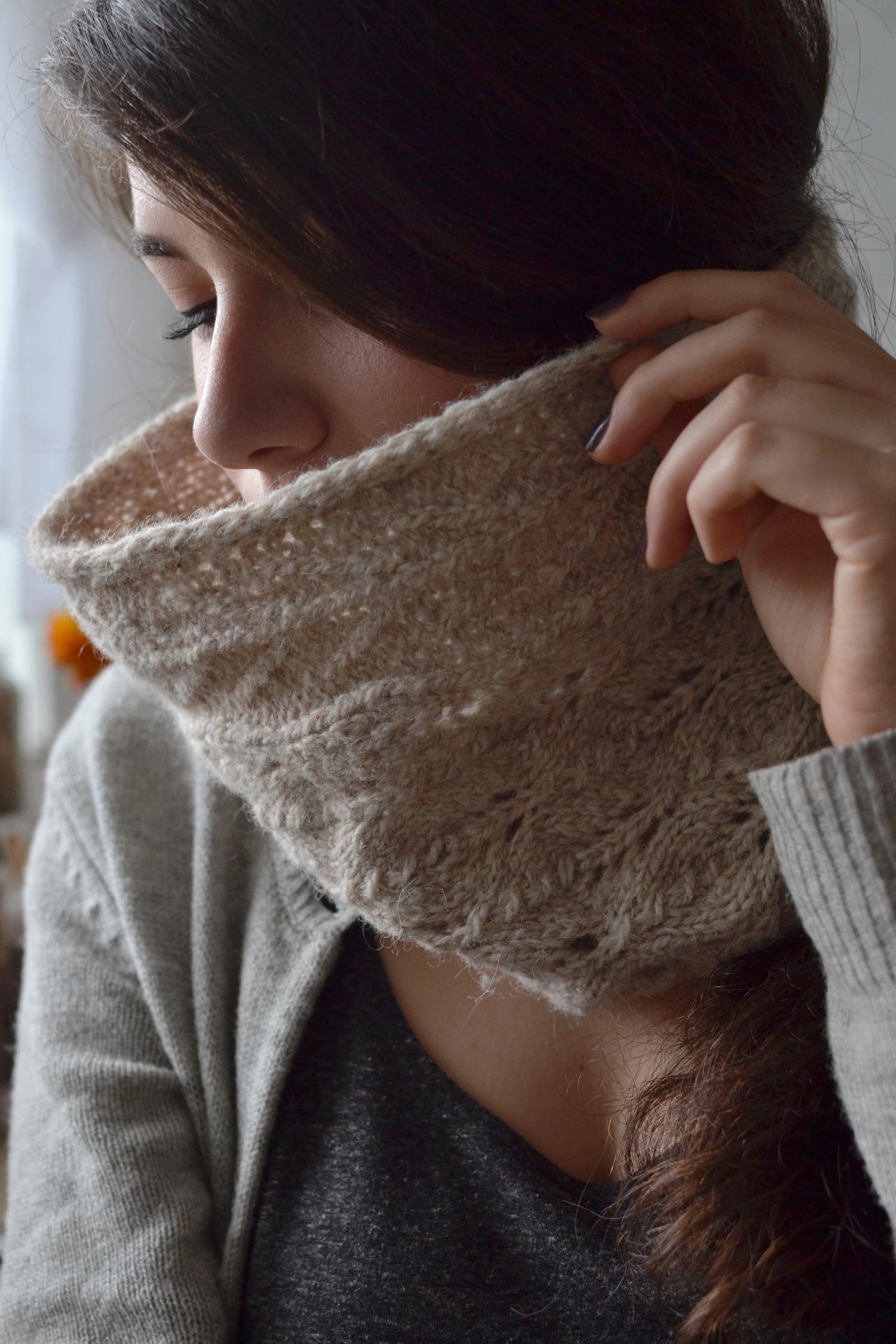 Golden Wood - Knitting