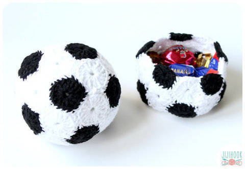 Soccer Ball & Basket - Crochet at Makerist