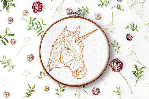 geometric unicorn + horse at Makerist