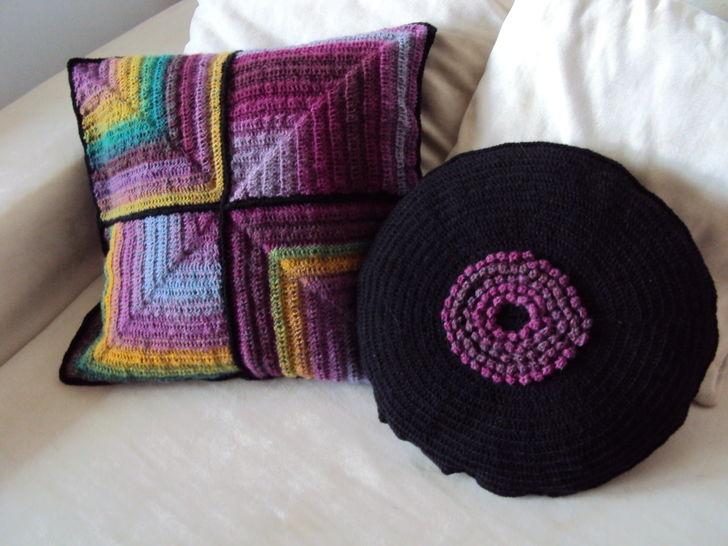 Gehäkelte Kissen rund und quadratisch bei Makerist - Bild 1