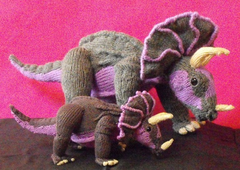 TRACY TRICERATOPS AND BABY TOY DINOSAUR KNITTING PATTERN at Makerist - Image 1