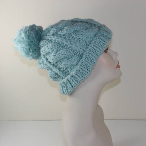 Super Chunky Cable Bobble Beanie Hat at Makerist