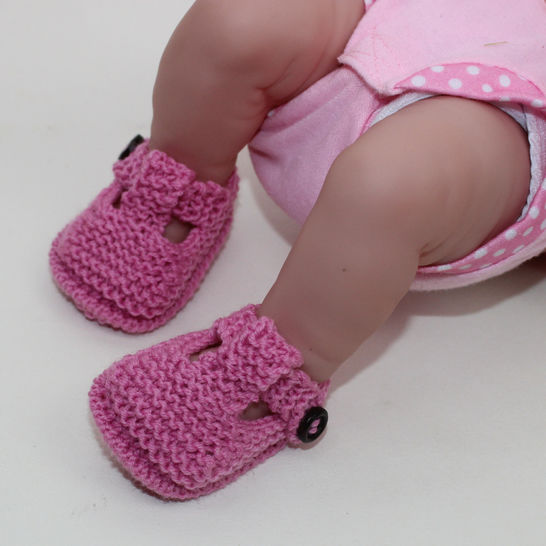 Preemie Tiny and Newborn Baby T Bar Sandals at Makerist - Image 1