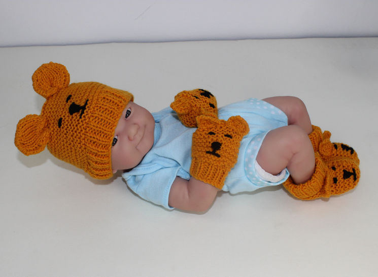 New Baby Teddy Bear Booties Beanie and Mittens at Makerist - Image 1