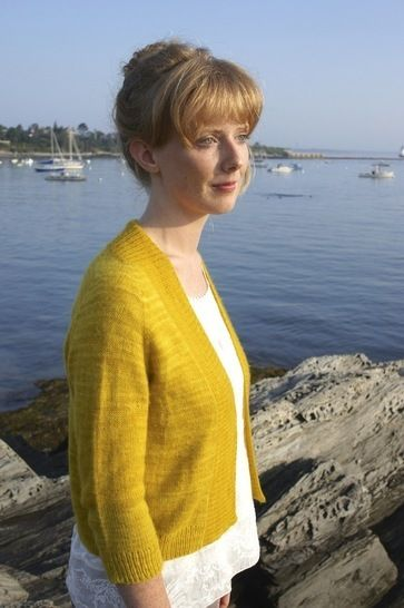 Featherweight Cardigan Knitting Pattern at Makerist - Image 1