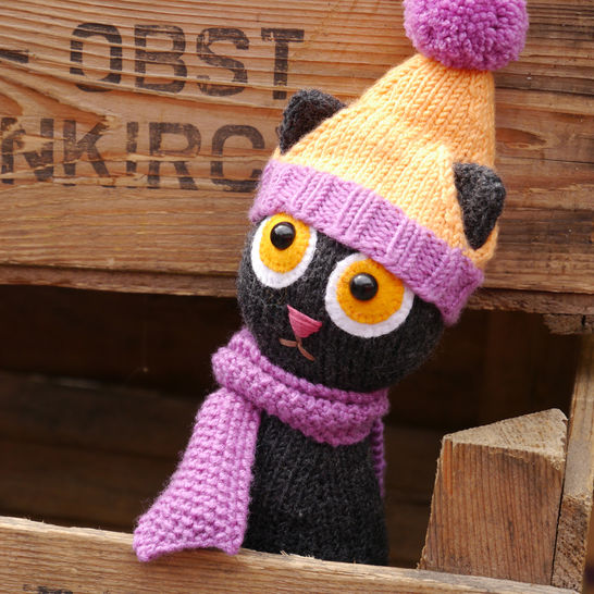 STEFFI THE CAT soft toy FREE knitting pattern at Makerist - Image 1
