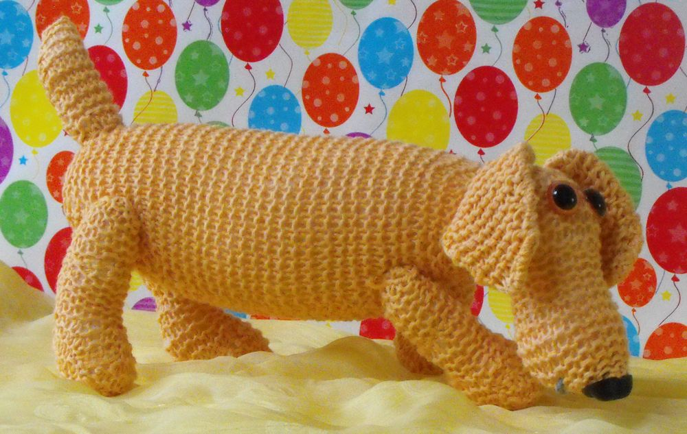 SAMMY the SAUSAGE DOG - knitting