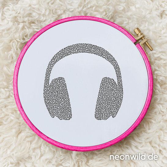 Stickdatei EEE - Headphones 13x18 bei Makerist - Bild 1