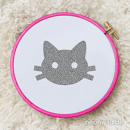 Stickdatei EEE - Katze 13x18 bei Makerist - Bild 1