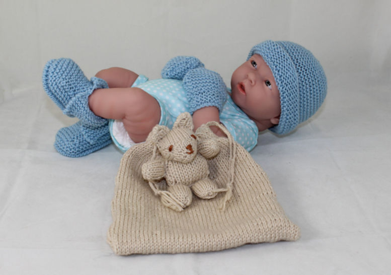 Baby Shower Gift Bag -5 designs in one knitting pattern at Makerist - Image 1