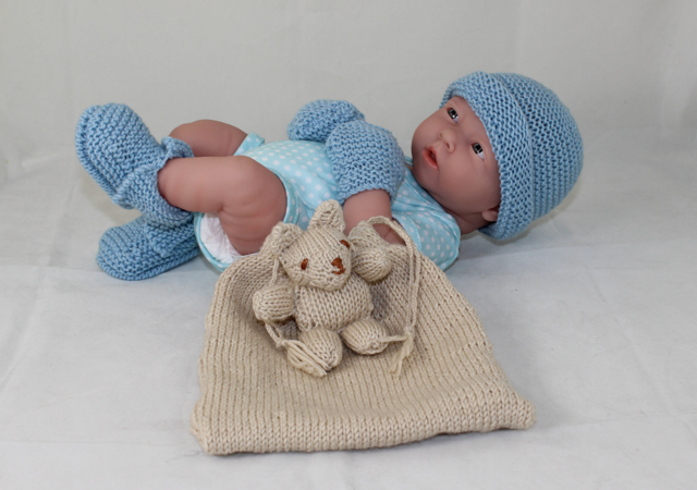 Baby Shower Gift Bag -5 designs in one knitting pattern