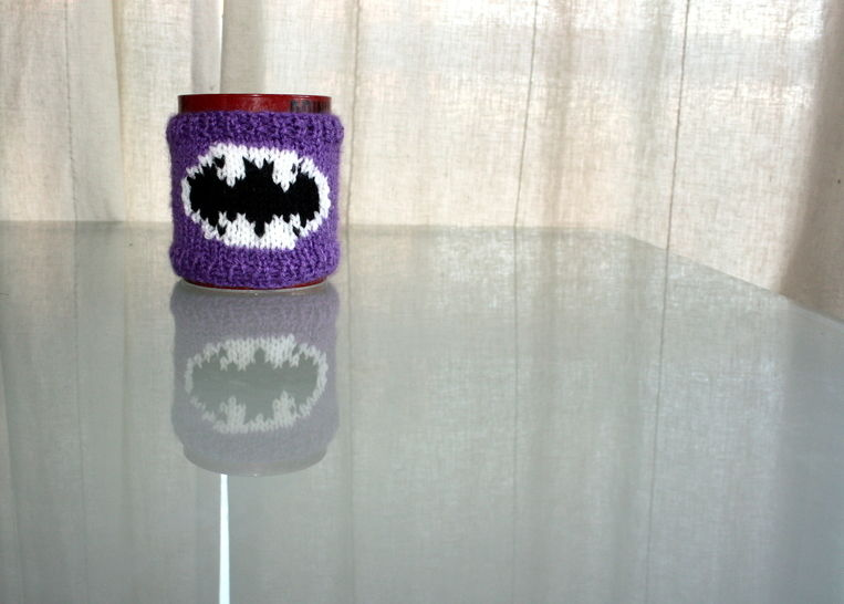 Batman Mug Cozy Knitting Pattern at Makerist - Image 1