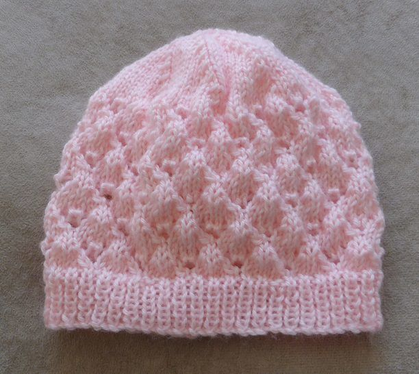 Baby's 4ply lace Beanie with rib band - knitting pattern - Molly at Makerist - Image 1