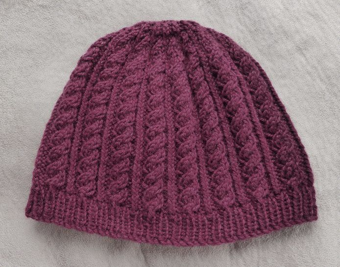 Cable & rib beanie in 5ply - 2 years to Lady - knitting pattern - Amy at Makerist - Image 1