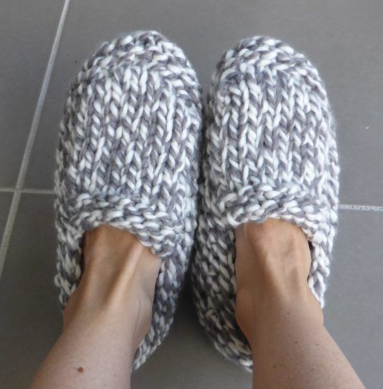 Chunky family slippers - knitting pattern - Sierra at Makerist - Image 1