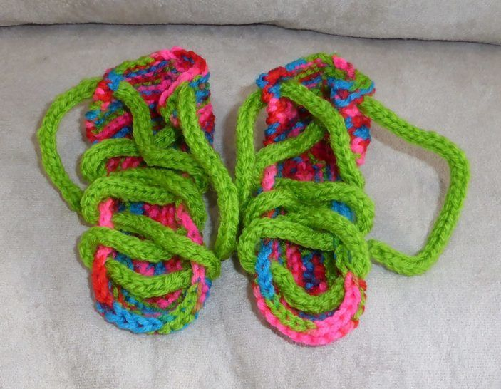 8ply lace up sandals for baby - PDF knitting patern - Bianca at Makerist - Image 1