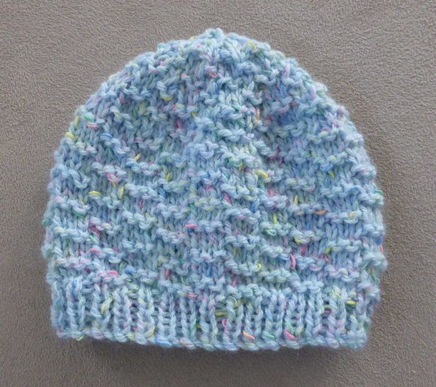 Prem & newborn textured beanie - Knitting pattern - Mickey at Makerist - Image 1