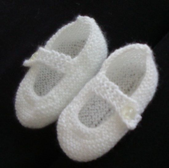 Mary Jane style baby shoes in 3ply yarn - Alicia at Makerist - Image 1