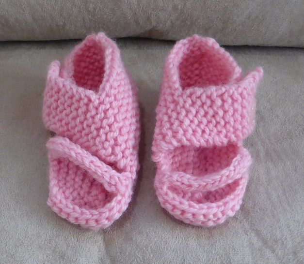 Baby sandals in 8ply with angled toe and ankle straps - Emma at Makerist - Image 1