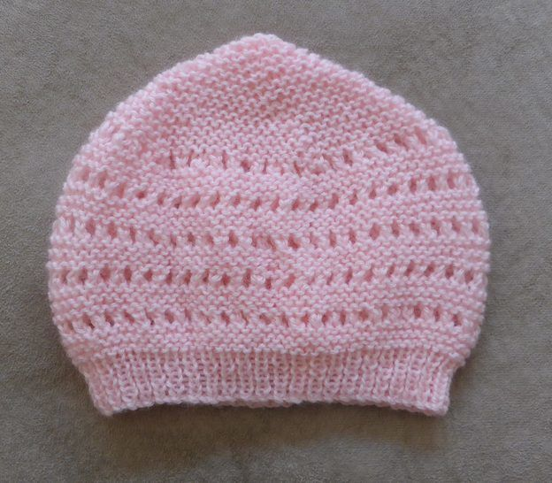 Baby's 4ply eyelet and purl st Beanie with rib brim - Abby at Makerist - Image 1