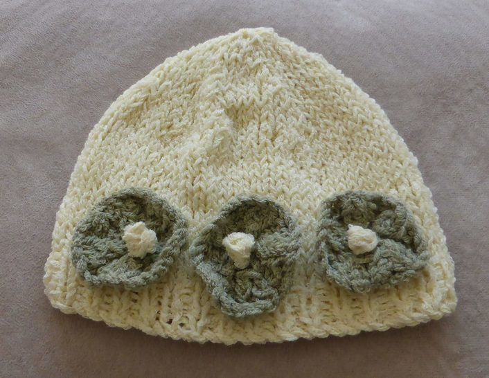Baby's Flower Beanie - PDF kniting pattern - Jilly at Makerist - Image 1