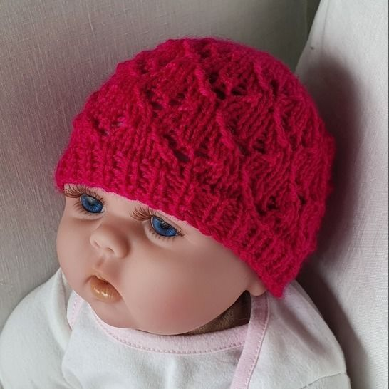 Babies 8ply lace Beanie - knitting pattern - Libby at Makerist - Image 1