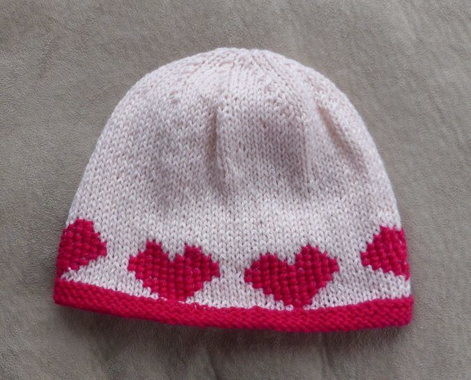 Beanie with heart motifs - 2 years to lady - Macey at Makerist - Image 1