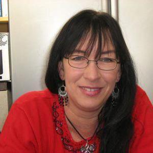 Sharonlee Holder