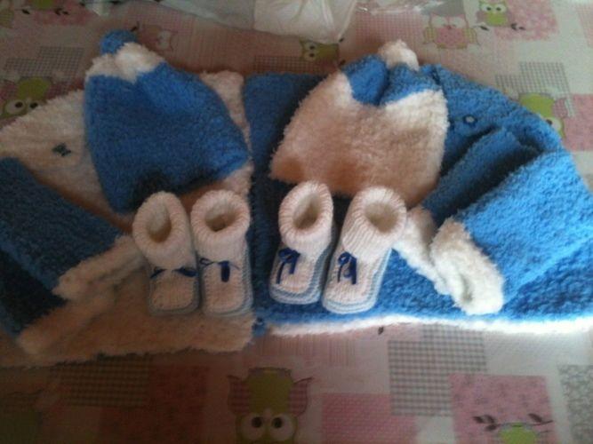 Makerist - habits doudous pour tenir chaud au bébés pour une naissances de petits jumeaux  - Créations de tricot - 1