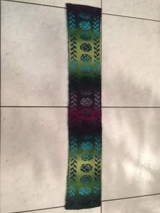 Makerist - Schal mit Rosen - 1