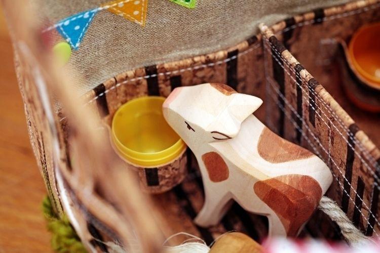 Makerist - Design Award Kork: Bauernhof zum Mitnehmen, Aufklappen und Überallspielen - Nähprojekte - 3