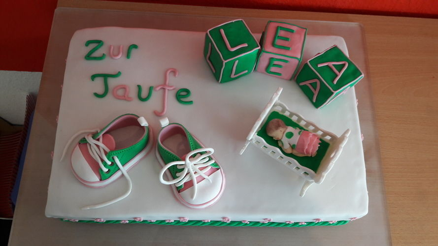 Makerist - Tauftorte für Lea  - Torten, Cake Pops und Cupcakes - 1