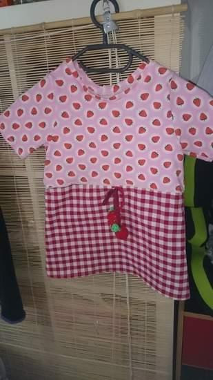 Tunika mit Erdbeeren