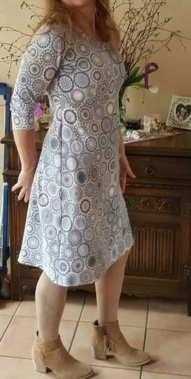 1 Kleid 4 Styles habe ich für mich genäht und ist super schön