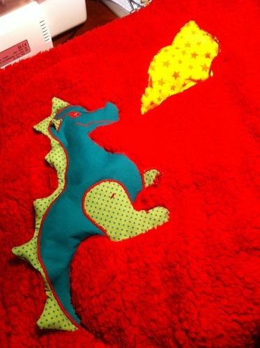 Makerist - Kuscheldecke  feuerspeiender Drache  für meinen Enkel - Nähprojekte - 1