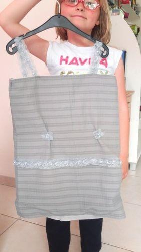 Makerist - petite robe en matieres synthetique - Créations de couture - 1