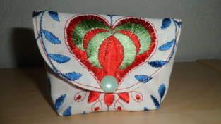 """Makerist - """"Von Herzen"""" Mini Täschle ca. 10x8 cm aus einem Vorhangrest, für die beste Freundin. - 1"""