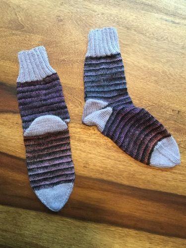 Makerist - Socken mit zwei verschiedenen Garnen - Strickprojekte - 1