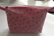 Makerist - Geburtstagsgeschenk: Kosmetiktasche mit Innenfächern - 1