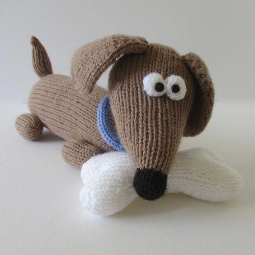 Makerist - Bangers the Sausage Dog - Knitting Showcase - 1