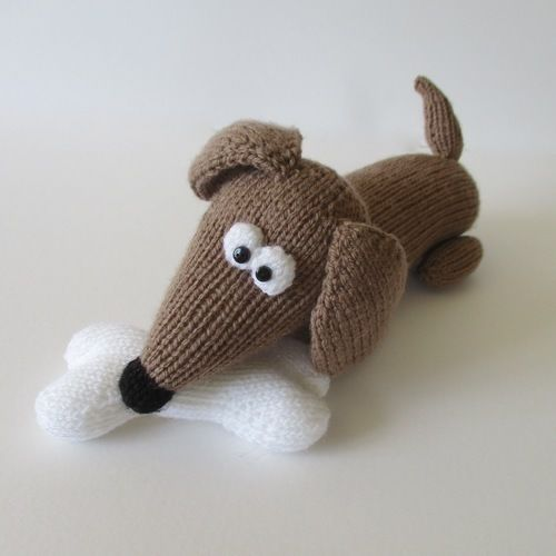 Makerist - Bangers the Sausage Dog - Knitting Showcase - 2