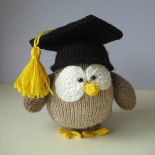Makerist - Graduation Owl - Knitting Showcase - 1