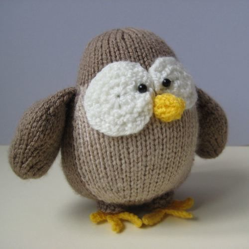 Makerist - Graduation Owl - Knitting Showcase - 2