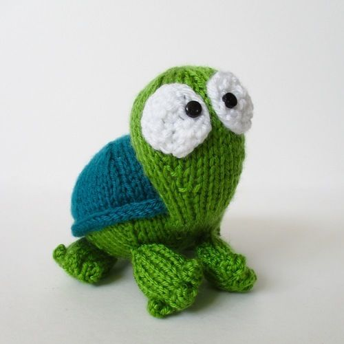 Makerist - Spencer the Tortoise - Knitting Showcase - 1