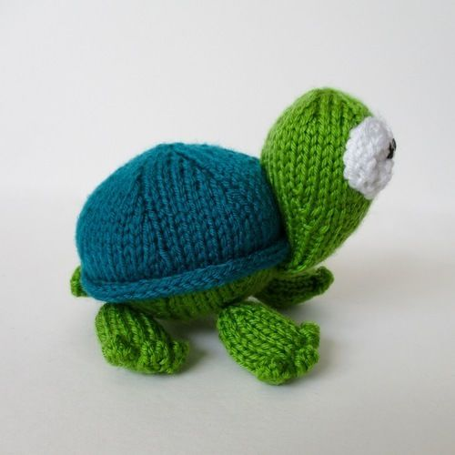Makerist - Spencer the Tortoise - Knitting Showcase - 2