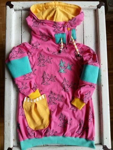 Makerist - Eine Schwalbe allein macht noch keine Schwester - Jersey Kombi für die Große und die bald neue Babyschwester - Nähprojekte - 1